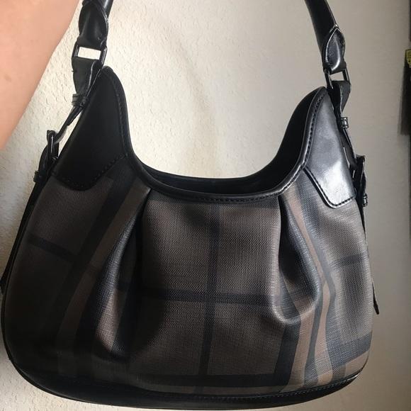 b321e561be7 Burberry Handbags - Authentic Burberry Hobo Purse